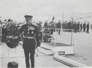 HCol LGen Simonds laying wreath at Stanley Barracks. Remembrance Day 1965.